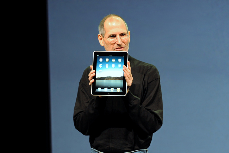 Steve Jobs presenta iPad 1